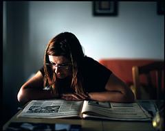 emma reading the newspaper dsevilla
